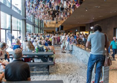 Feest op station Breda tijdens de opening